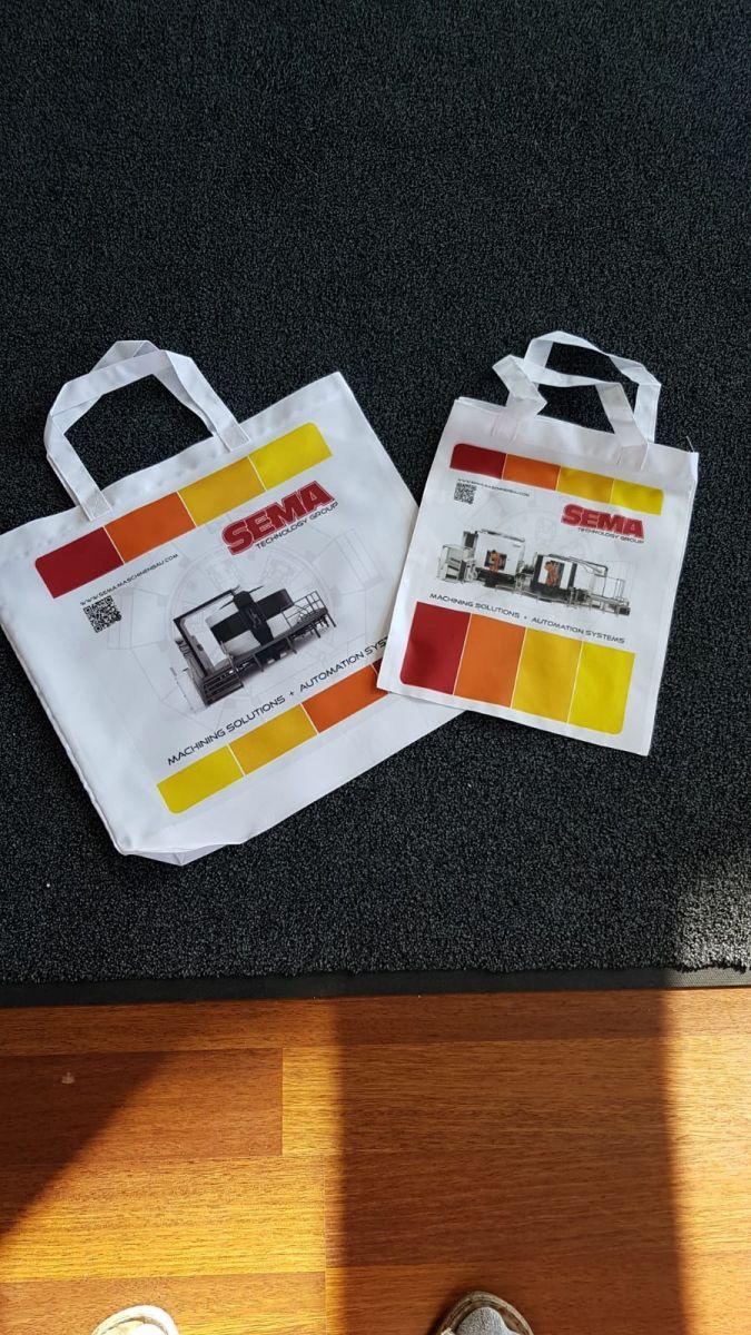 R-Design Tasche bedruckt mit Logo